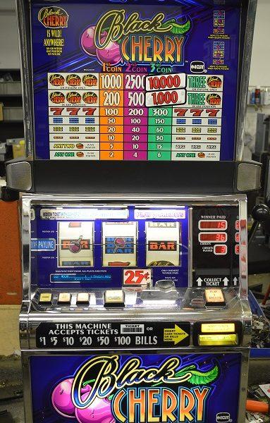Black Cherry slot machine