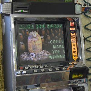 Alien video slot machine