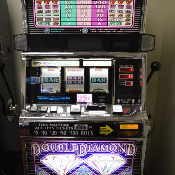 IGT Double Diamond slot machine
