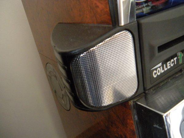 IGT s2000 speaker