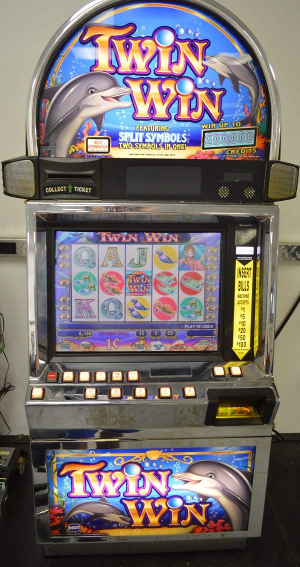 Twin Win video slot machine