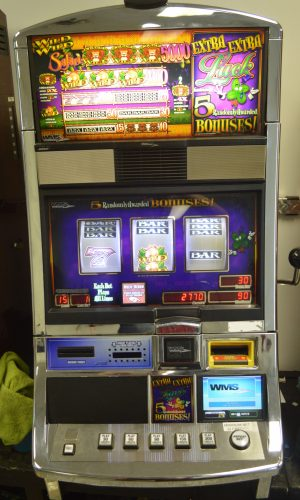 Extra Extra Luck reel slot machine