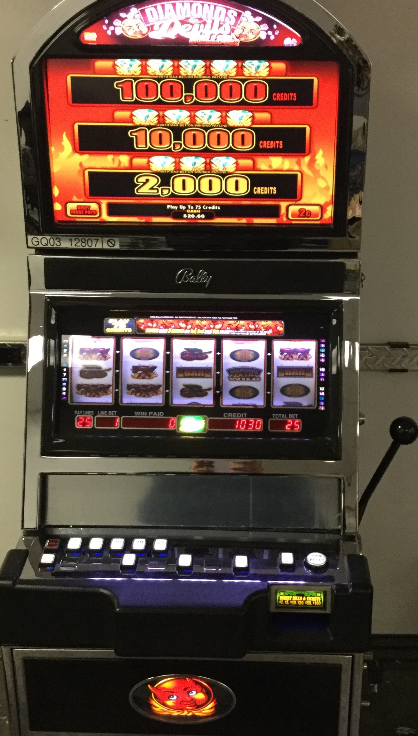 Devils And Diamonds Slot Machine