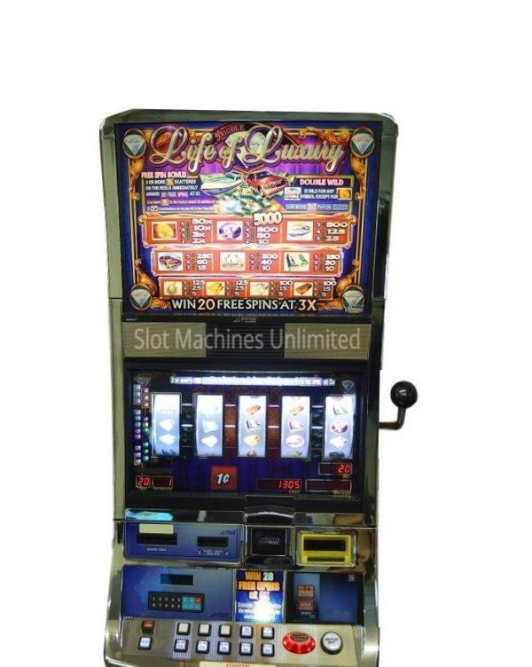 Double Life of Luxury slot machine