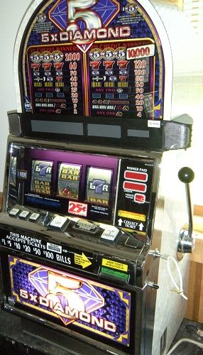 Slot Machine Double Diamond Deluxe