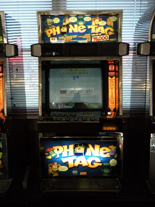 Phone Tag video slot machine
