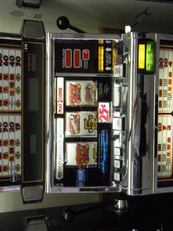 Triple Hot Ice slot machine
